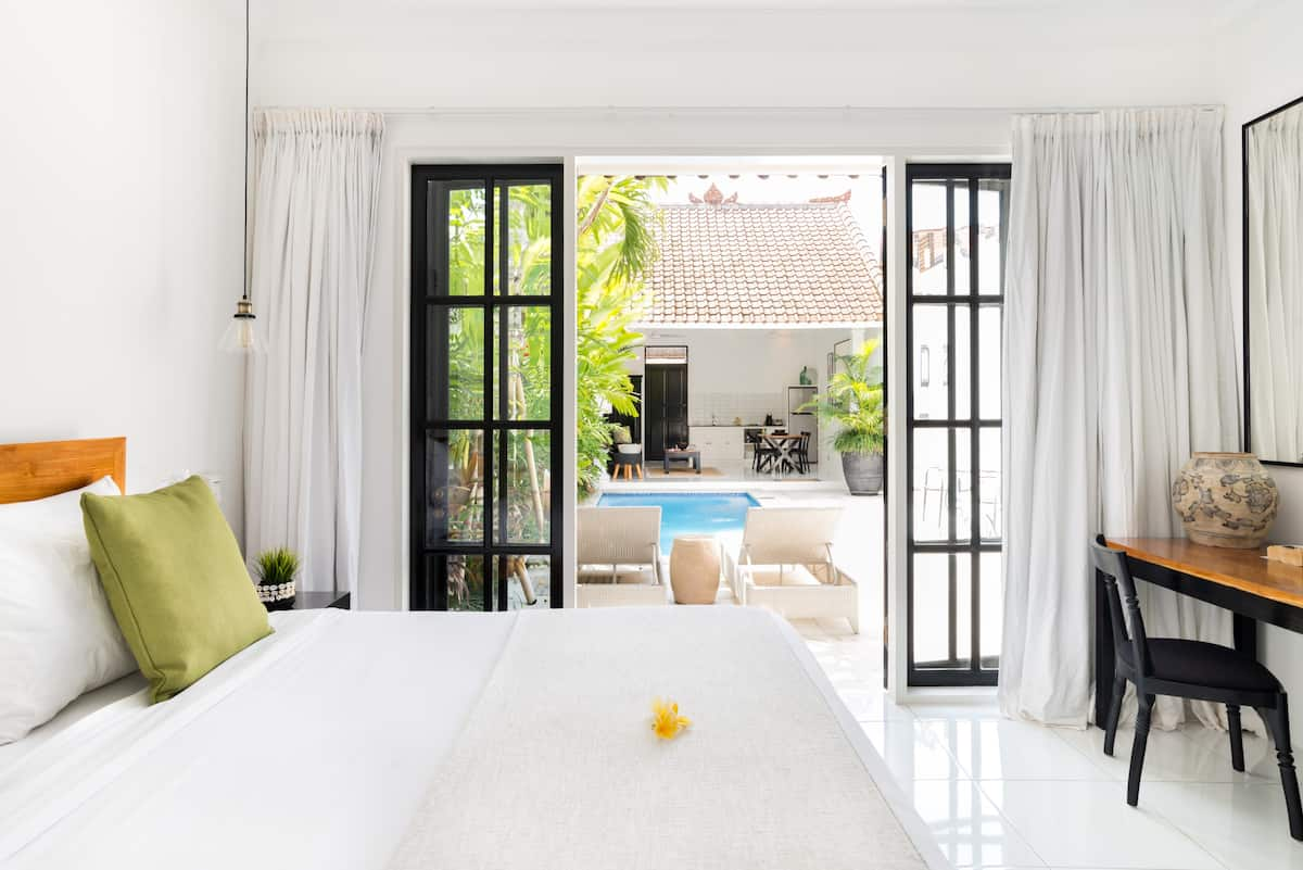 Airy Poolside Villa Town House in Canggu