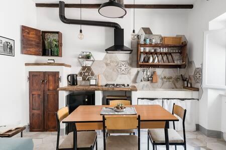 Ampio spazio  tra antico e moderno nel centro di Montepulciano