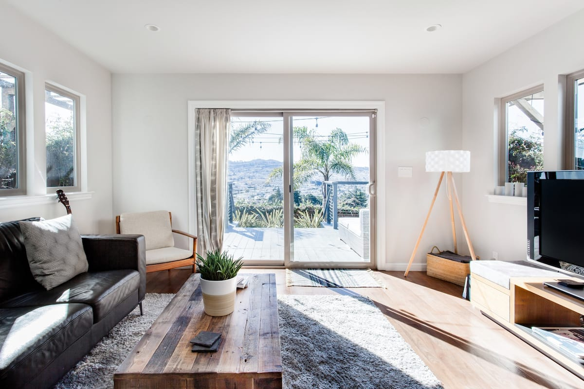 Killer Views of San Francisco in a Private Apartment