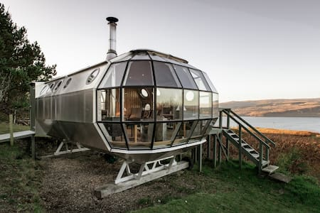 Unique and Secluded AirShip with Breathtaking Highland Views