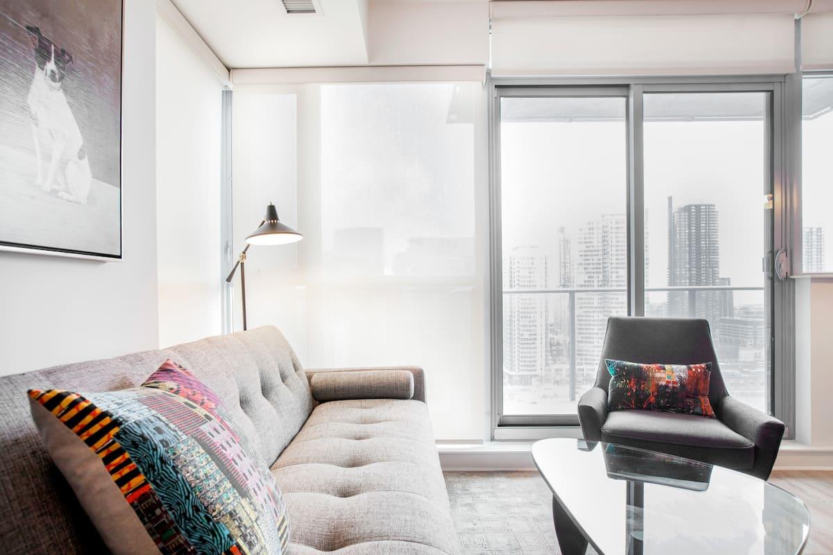 Walk to TIFF Bell Lightbox from a Peaceful, Elegant Condominium