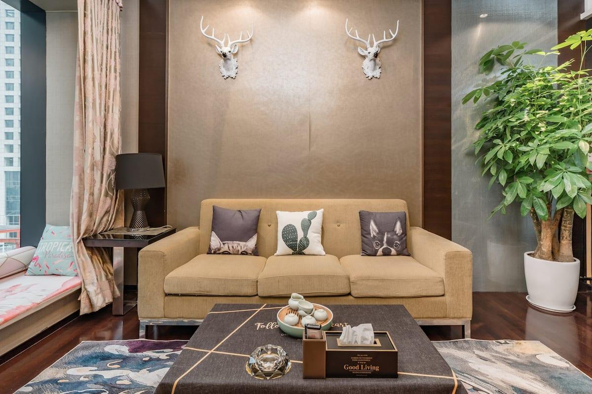 广州塔兴盛路美食街附近的五星级标准高端豪华大套房酒店式公寓