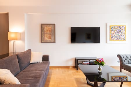 Beautiful Spacious Luxury Apartment in Prime Central Athens