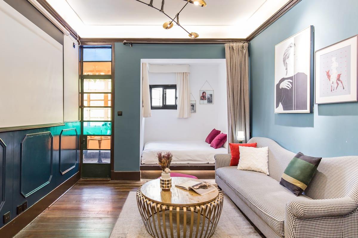 入住法式浪漫公寓,坐拥上海的繁华与静谧