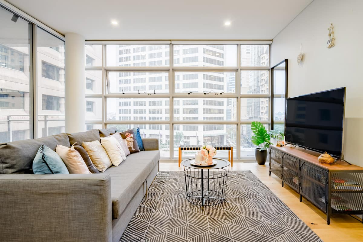 Darling Harbour Apartment in Sought-After Heart of CBD