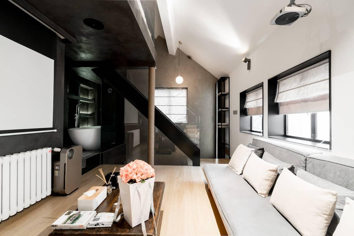 北外滩私密性极强的整栋三层loft-极简设计-全屋墙暖