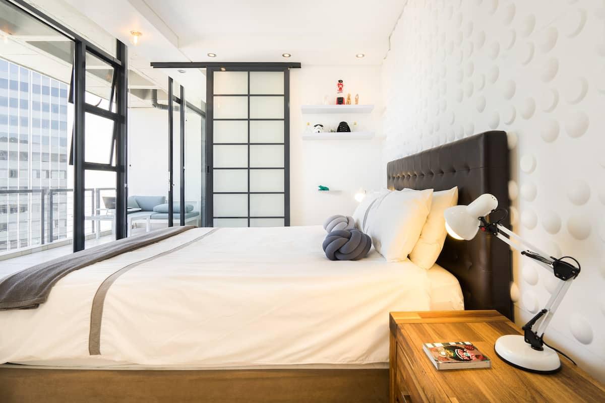 Cape Town City Center Designer Apartment near Table Mountain