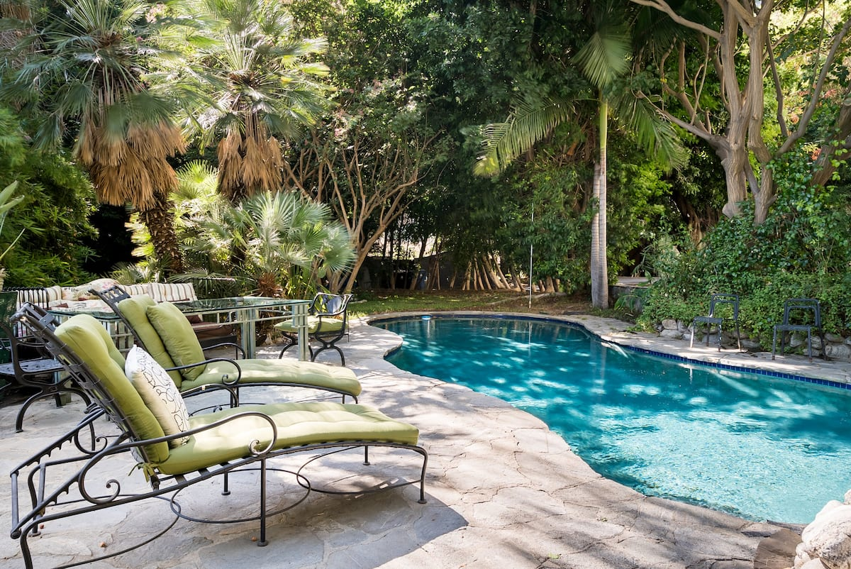 Unwind Poolside, a Stunning Hollywood Estate- Private Suite
