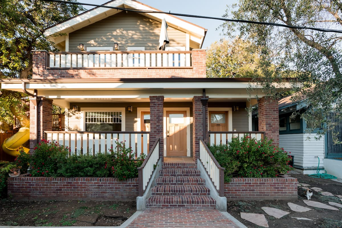 New Craftsman-Style Studio in a Historic Area