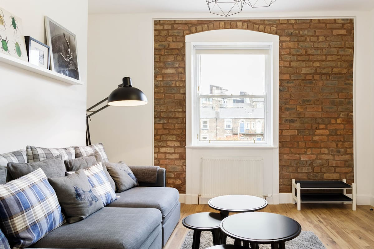 Updated Flat in Iconic 1860's Listed Building