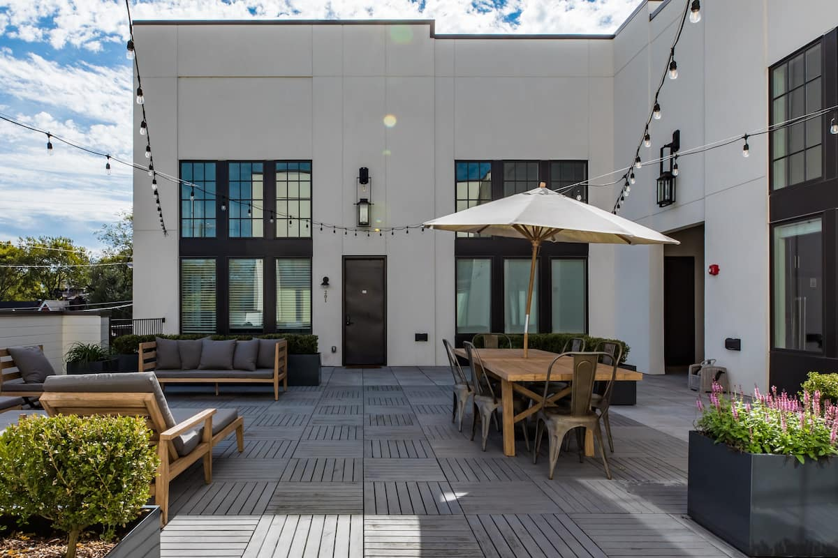 Explore Restaurants near a Professionally Designed Penthouse