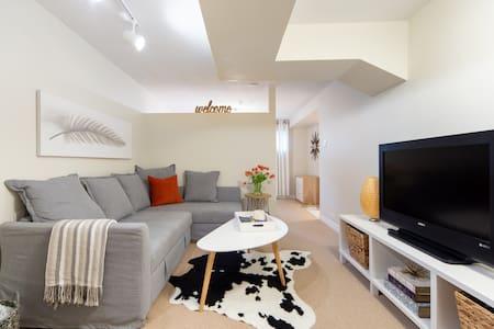 Cozy, Clean, Contemporary Apartment in Brampton