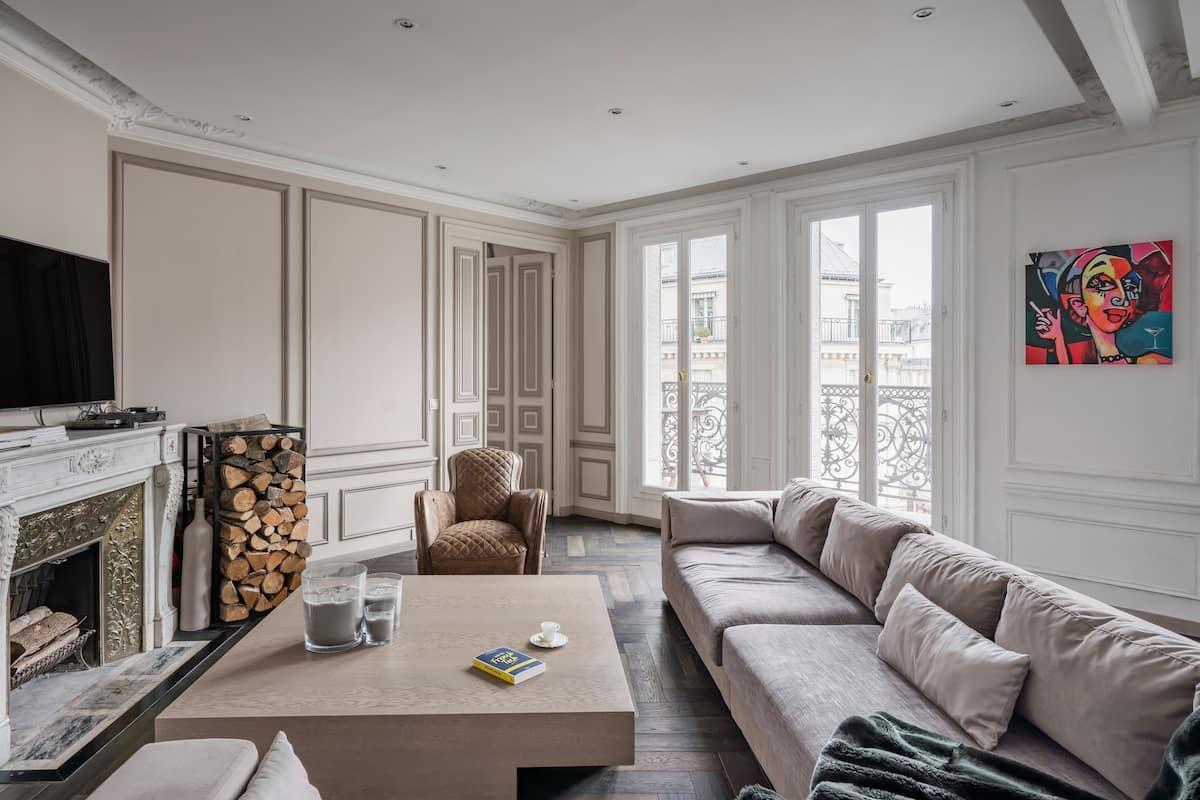 Resplendent Haussmann Architectural Design Condo