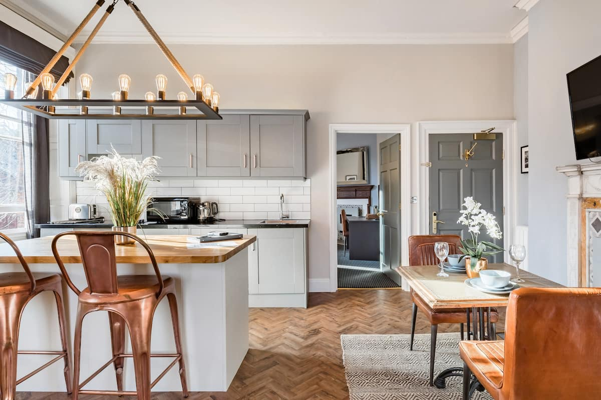 Apartment in Converted Georgian Villa in Leeds City Centre