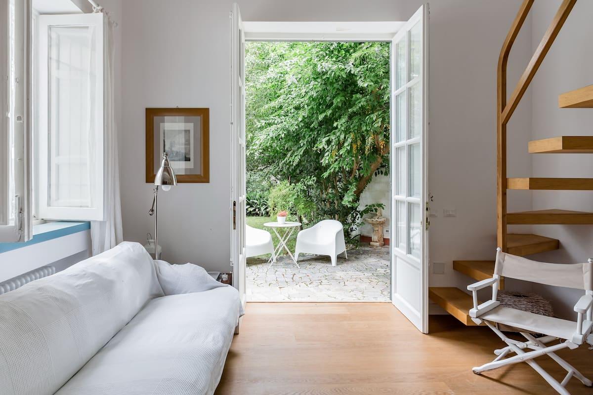Preziosa villa con giardino privato, a due passi dal mare di Palermo