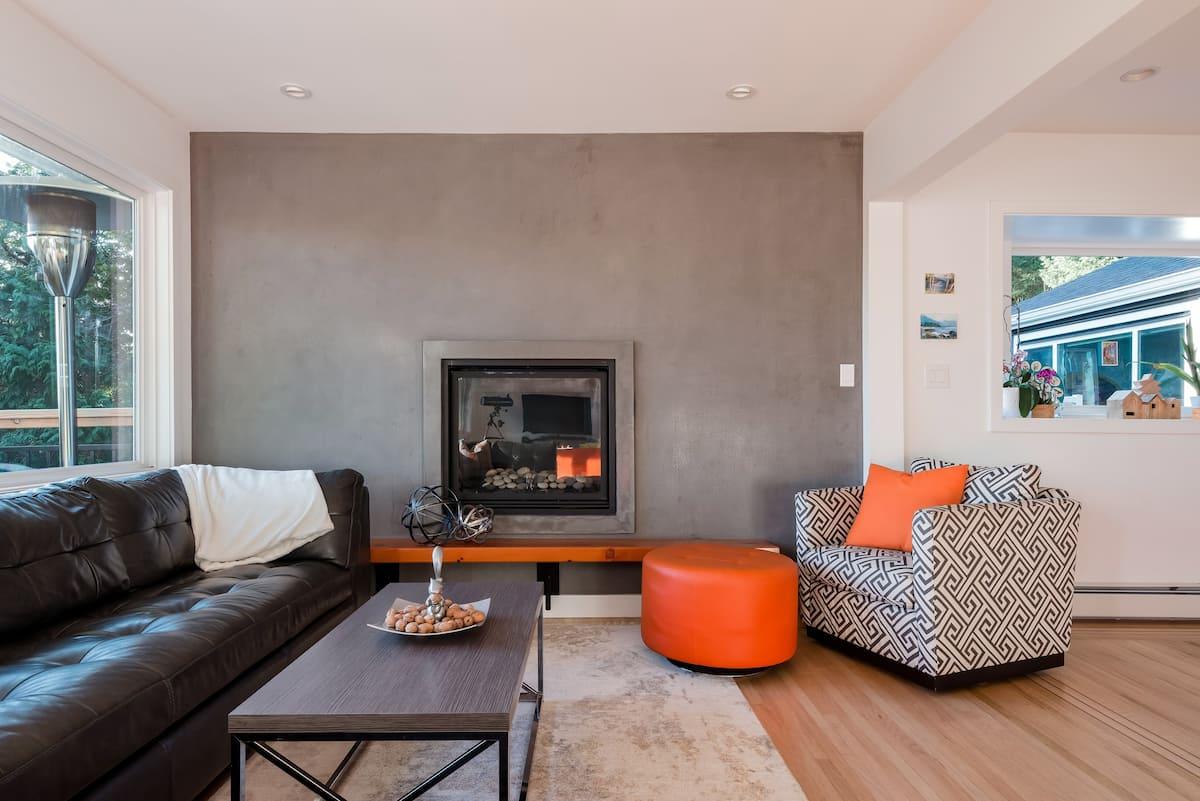Relaxing and Elegant Home in Quiet Neighbourhood