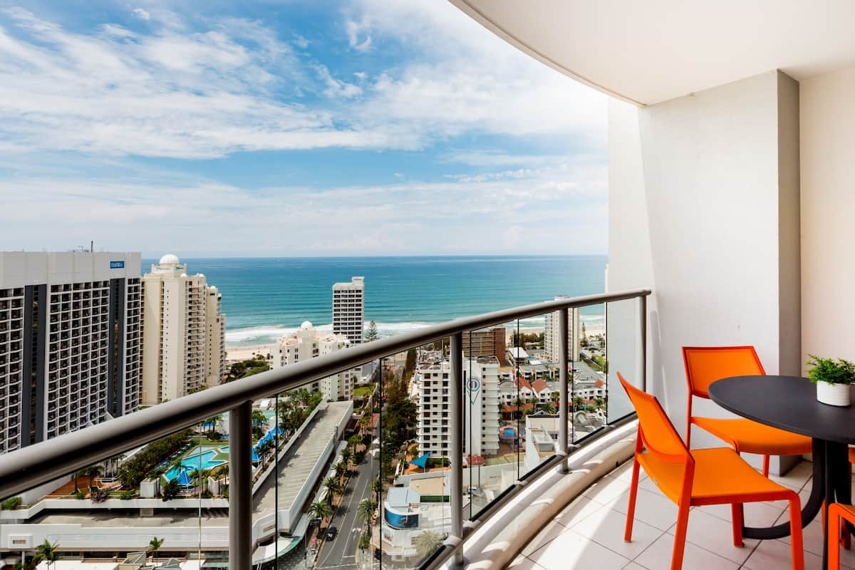 Stunning Chevron Towers - Twenty Fifth Floor - Two Bedrooms