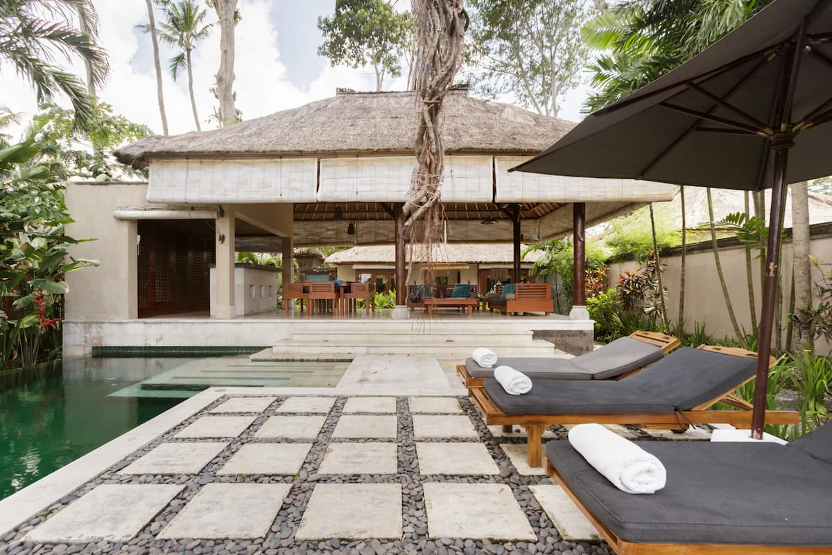 Guest Cottage with Private Pool on Villa Complex