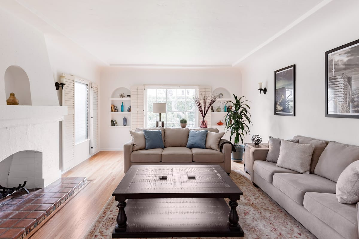 Spacious Spanish Home - Best Location in Los Angeles