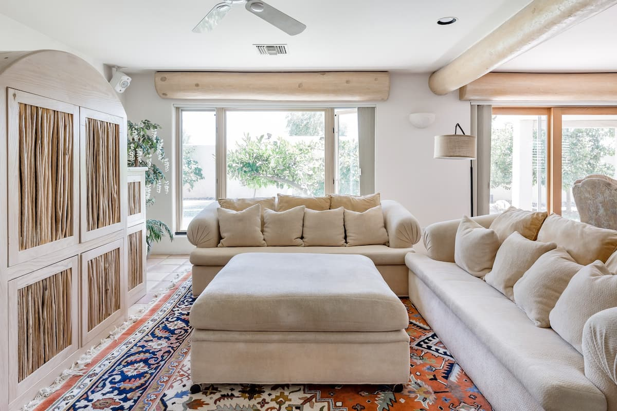 Dive into the Pool of this Airy Scottsdale Home