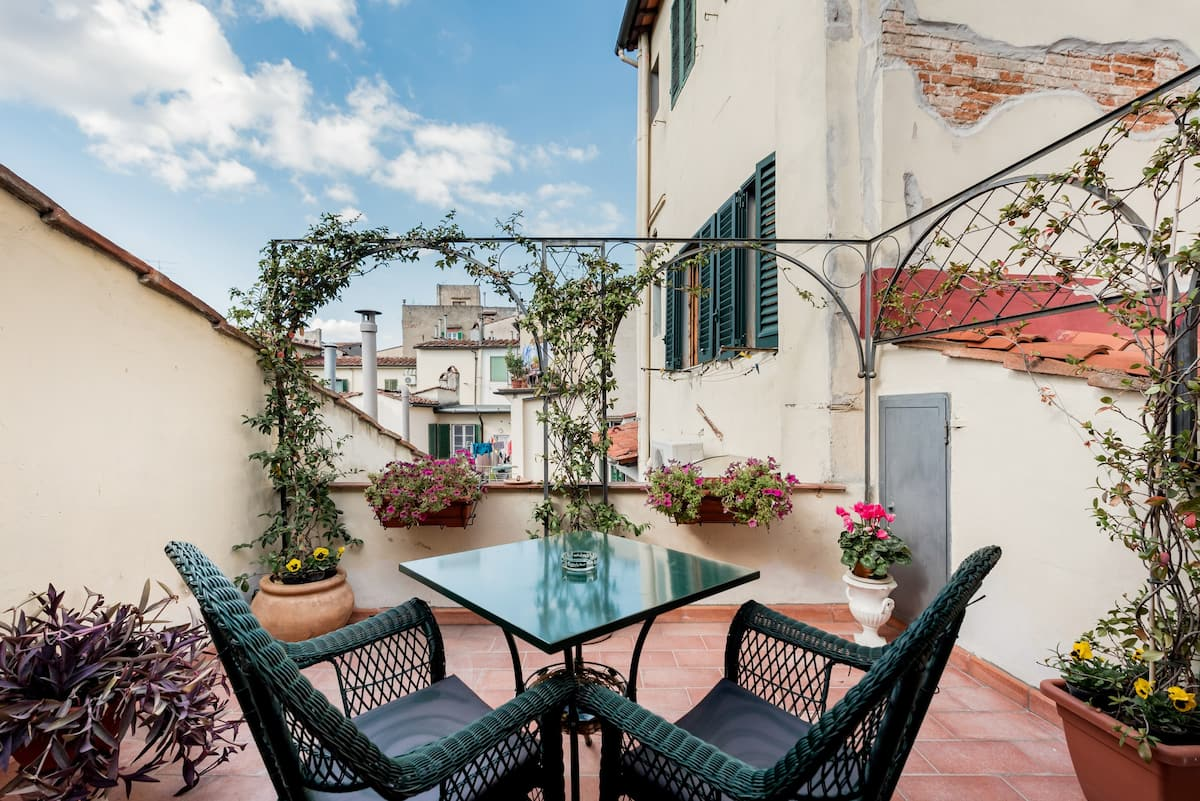 Romantic terrace in the heart of Florence