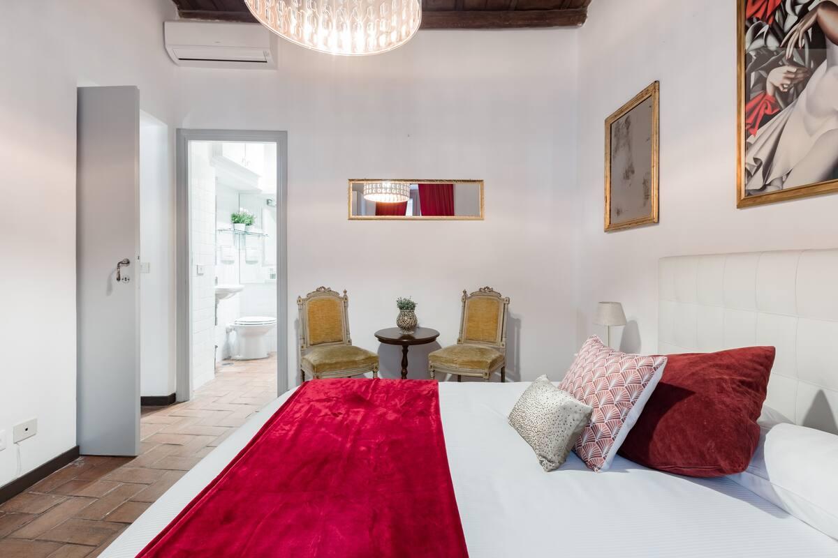 Appartamento storico con soffitti decorati