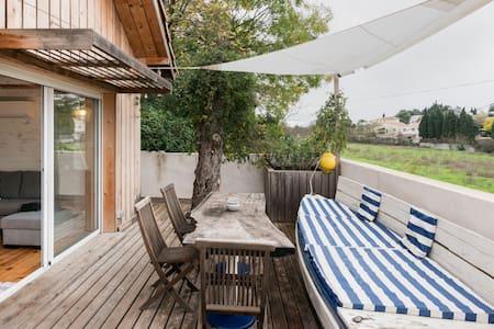 La Bicoque, cabane atypique avec filet suspendu près de Montpellier