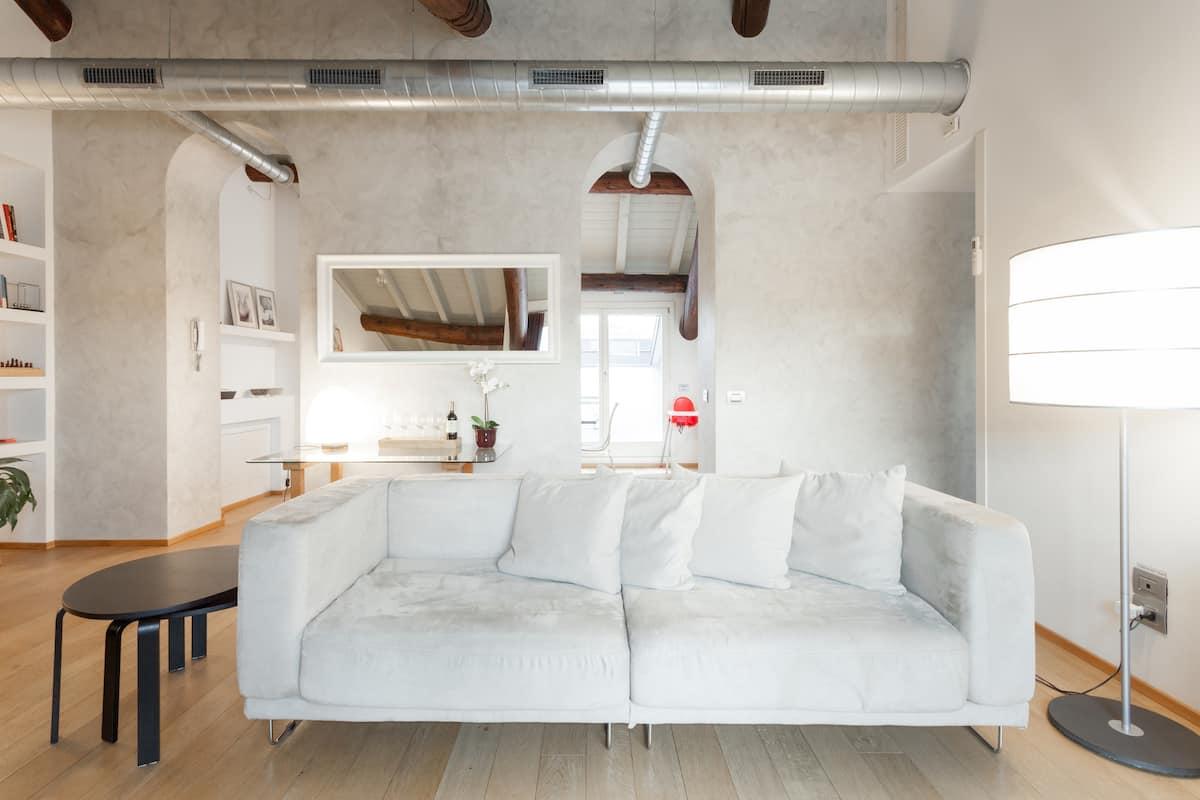 Como Sweet Como Apartment