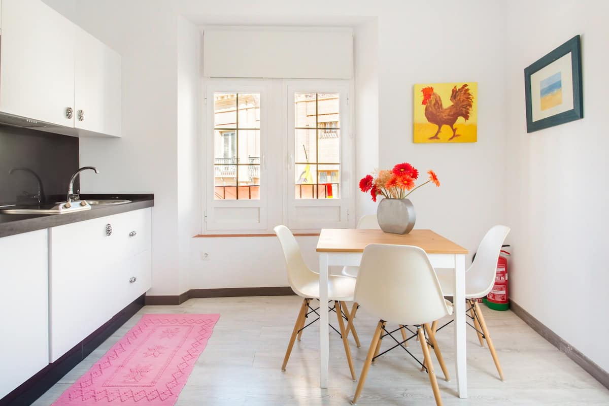 Light-Filled Apartment in the Heart of Seville