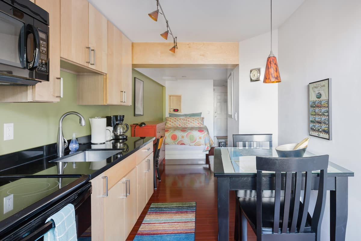 Gorgeous Bernal Heights Studio Apt with Private Entrance