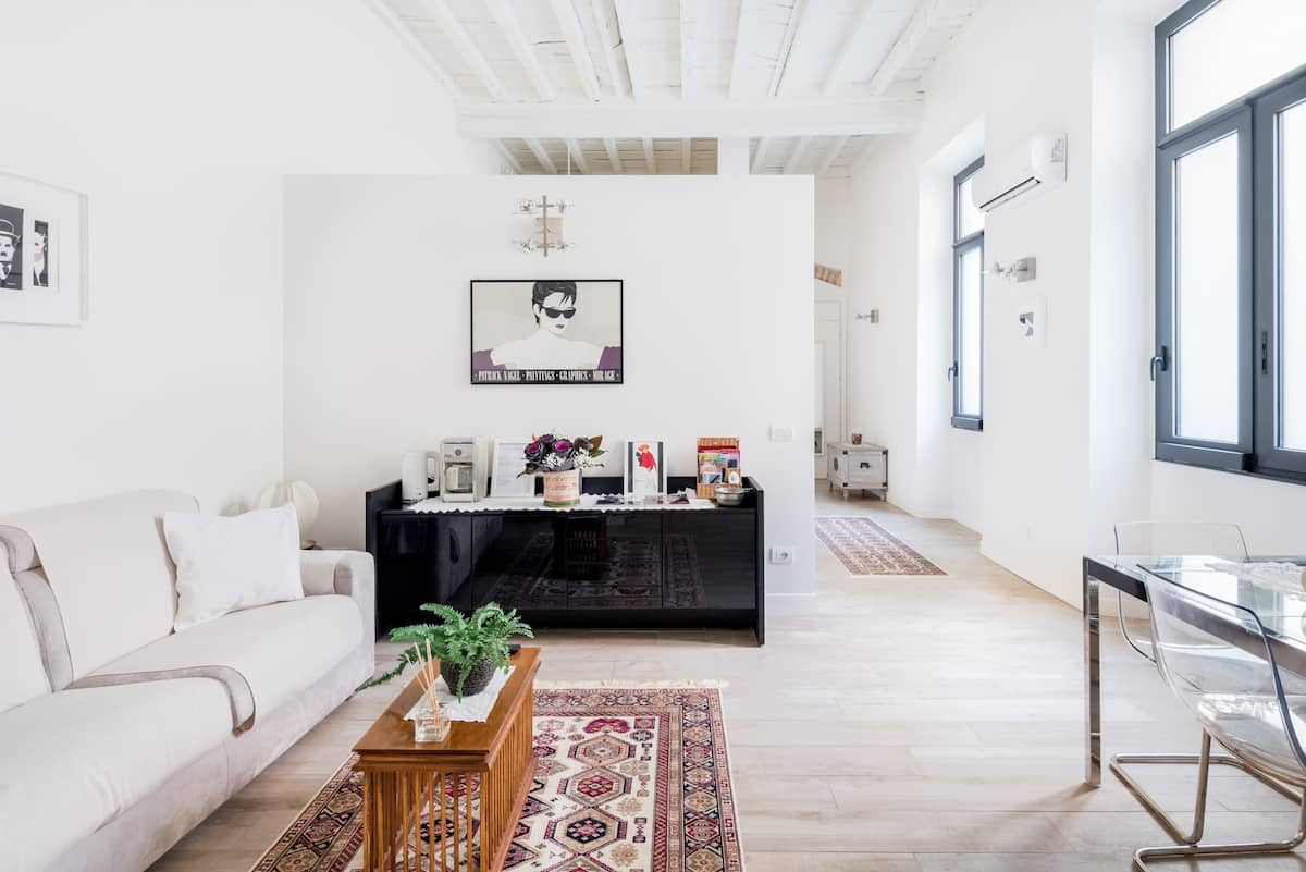 Walk to Museums from an Airy Loft Apartment