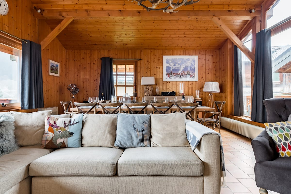 Alpine Splendor from a  Luxurious Chalet