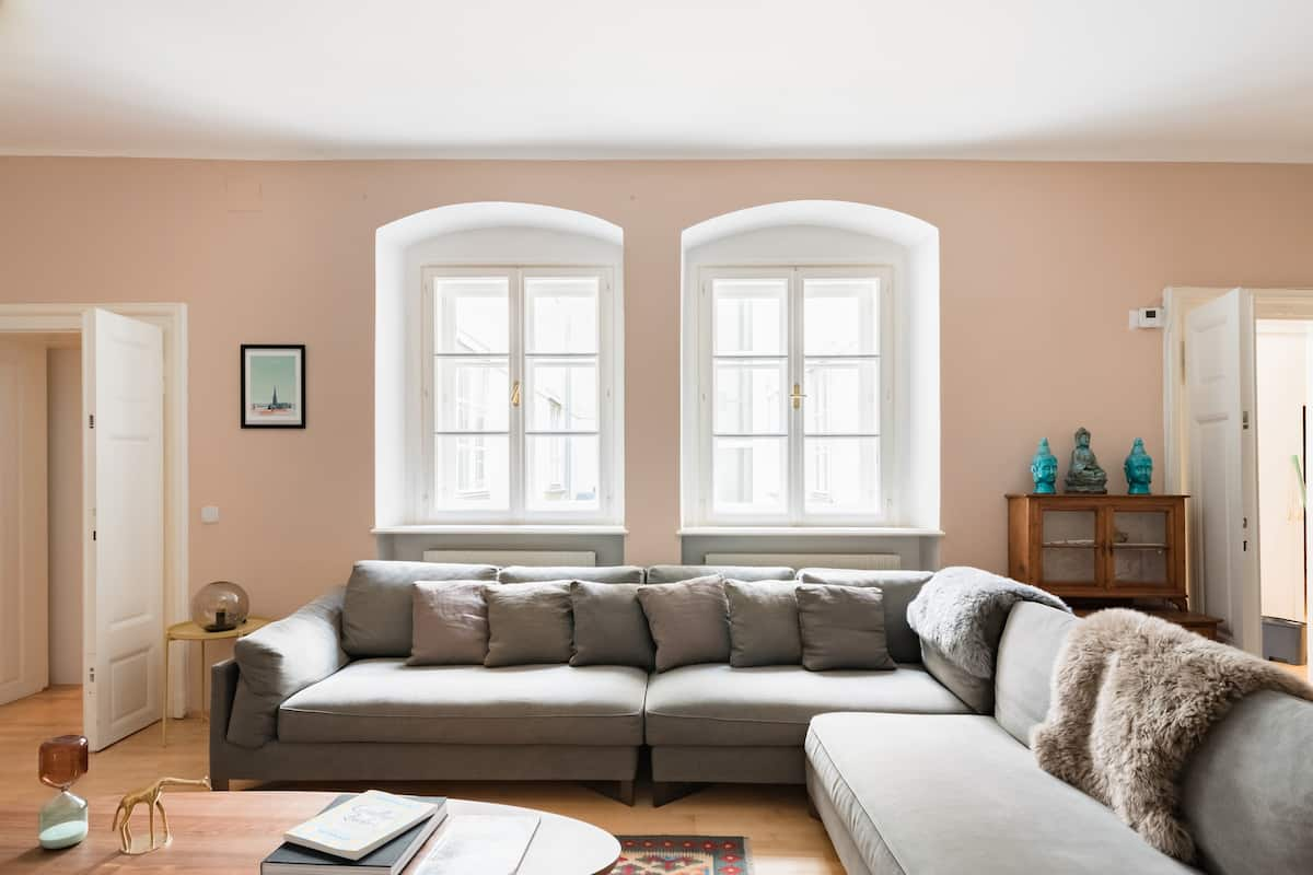 Elegant Apartment in Historic Heart of the 1st District