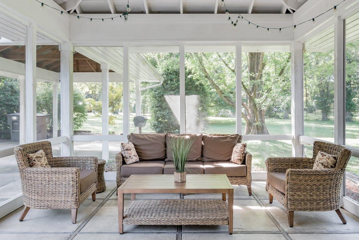 Cottage-Like Setting near Vanderbilt/Lipscomb