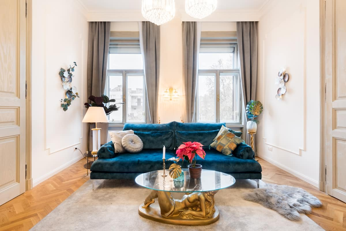 Boutique Izabella—Sumptuously Furnished New Apartment