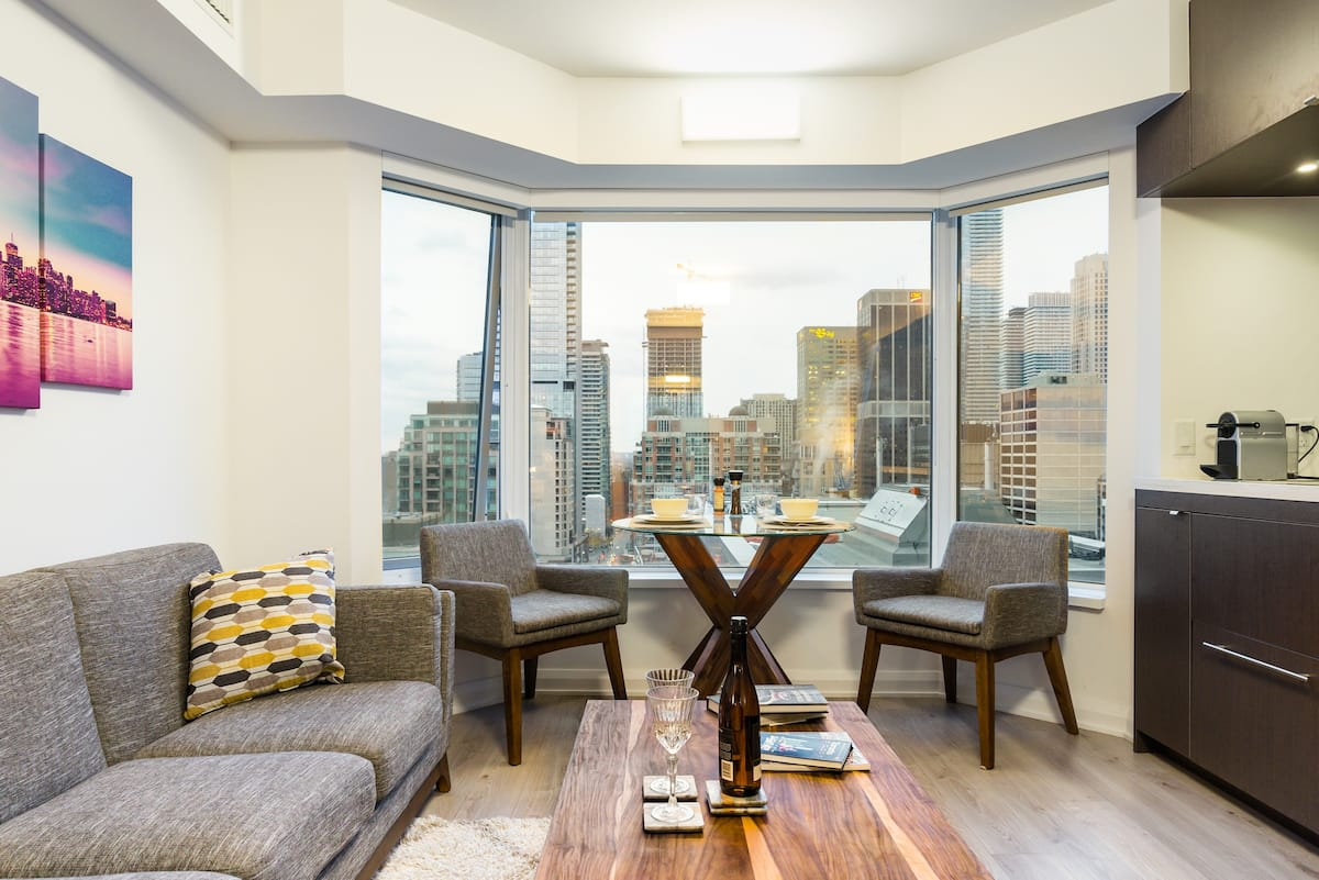 Luxurious Escape in the Heart of Yorkville