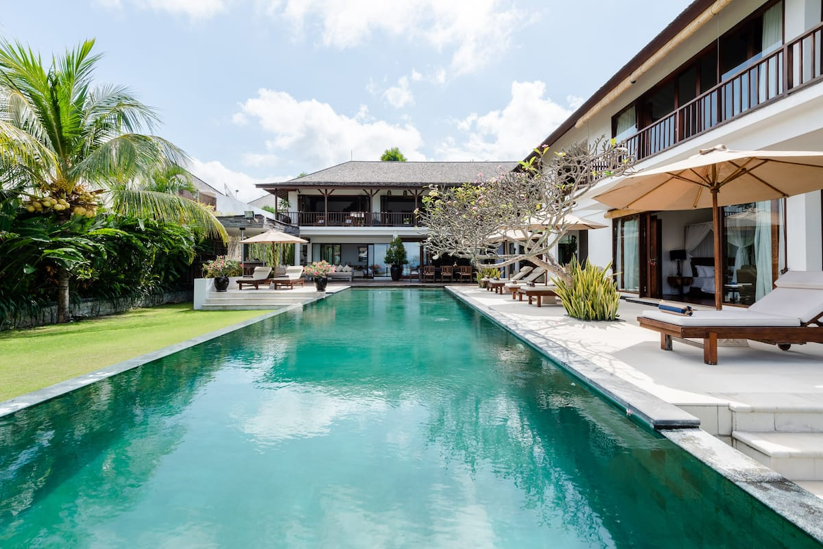 Grand, Fully Staffed Family-Friendly Villa With Ocean Views