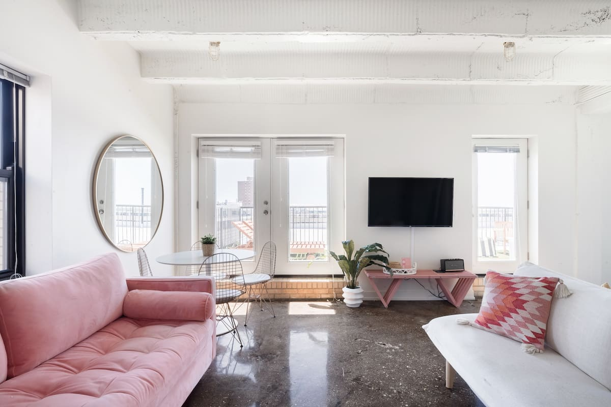 Roaring Rhythm Apartment with Private Patio by Short Stay