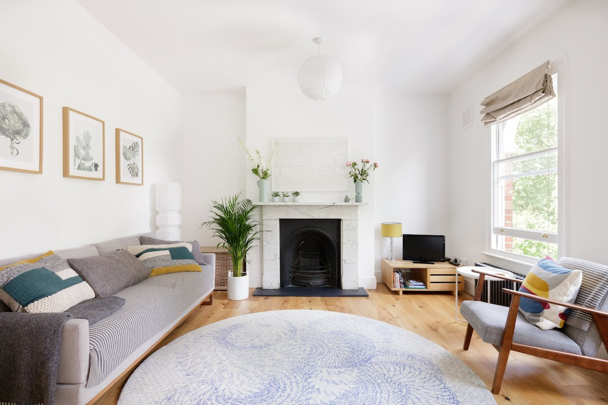 Victorian Terrace Flat with Leafy Park Views