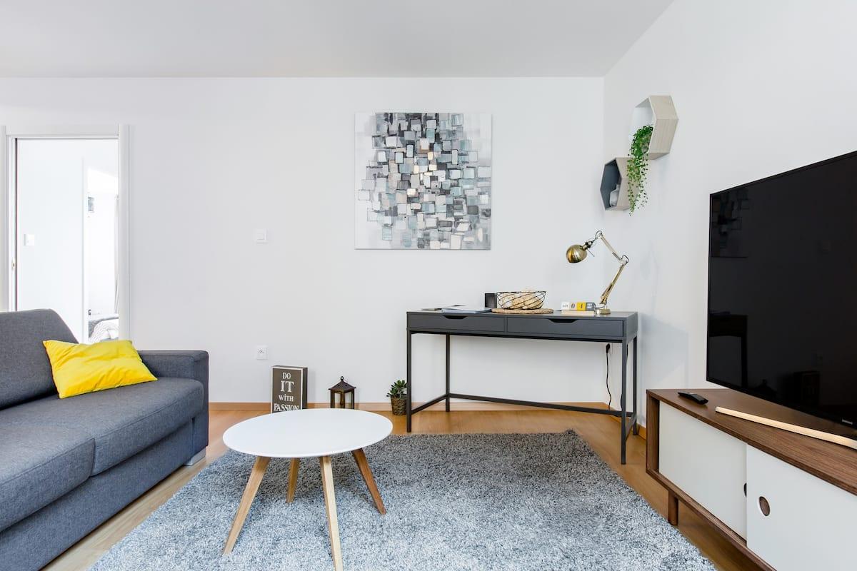 Colmar Rempart Apartment Set Amidst Cobblestone Streets