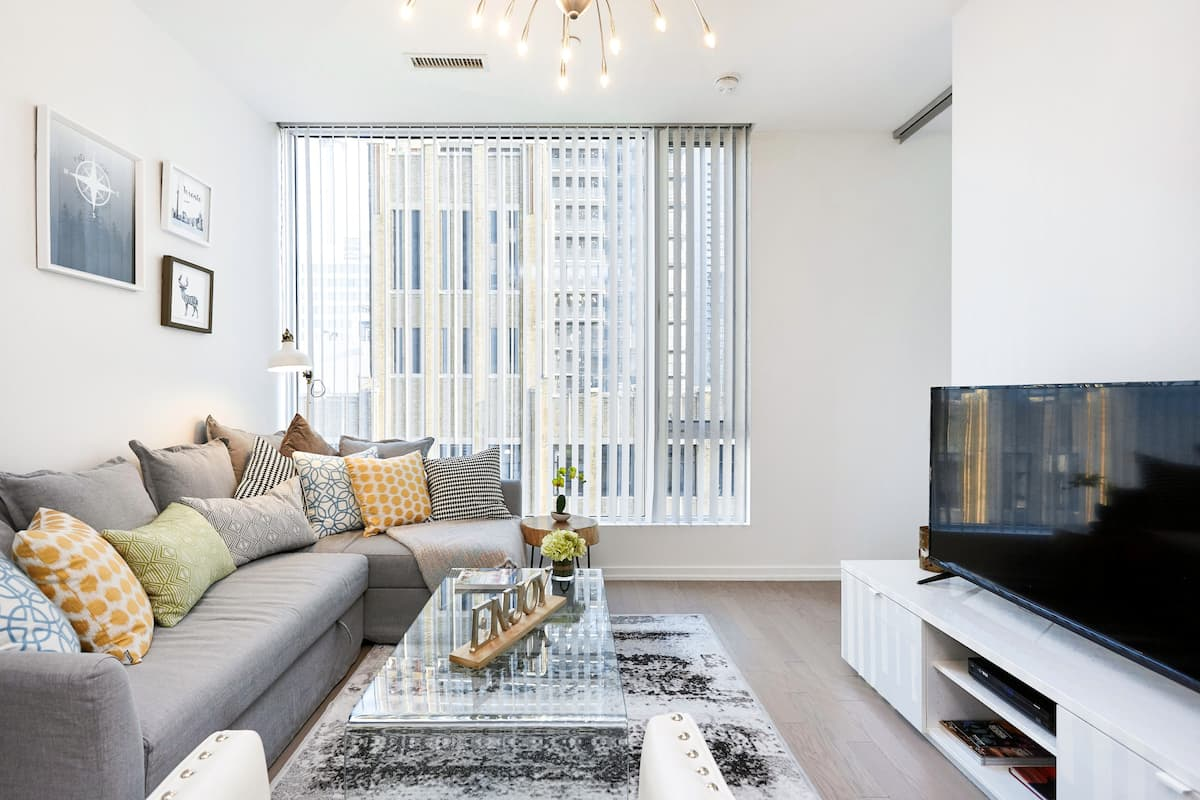 Comfortable Luxury Apartment in a Perfect Downtown Location