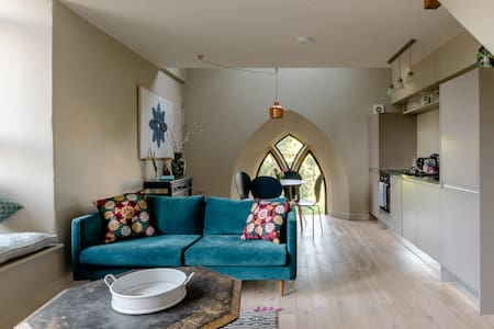 Ultramodern Loft in a Renovated Church in the Cotswolds