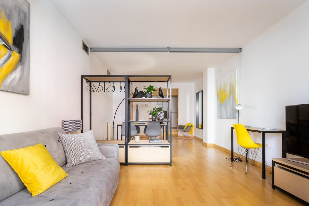 Bright and Design Apartment in Charming Poblenou