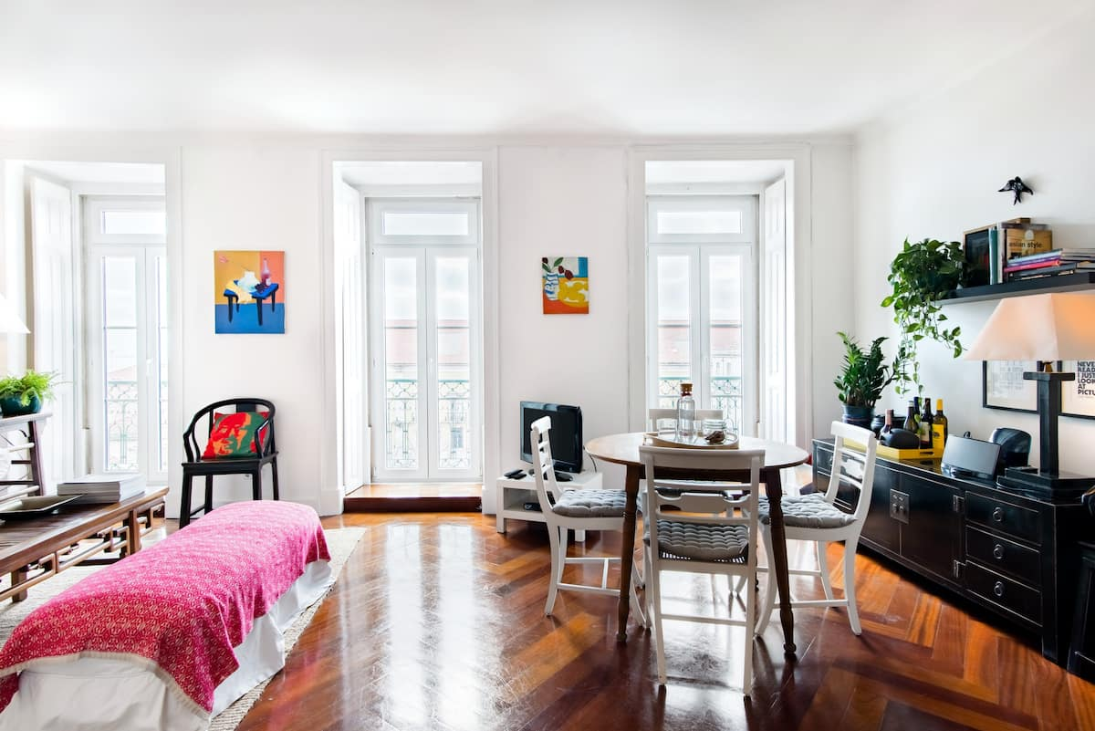 Walk to Museums from an Eclectic, Art-Filled Apartment