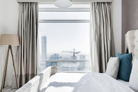 High Rise Condo with Skyline View Downtown Dubai
