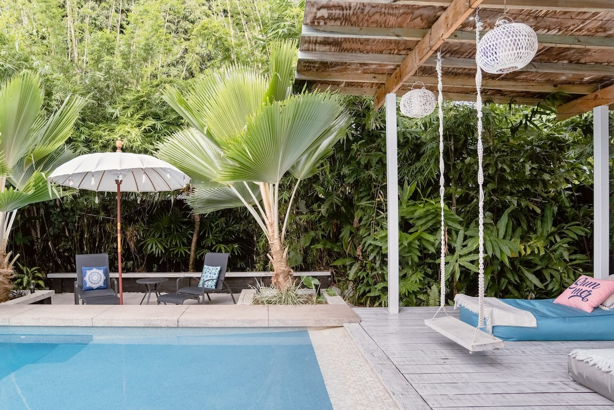 Coco Villa With Award-Winning Pool and Spa in Whitfield