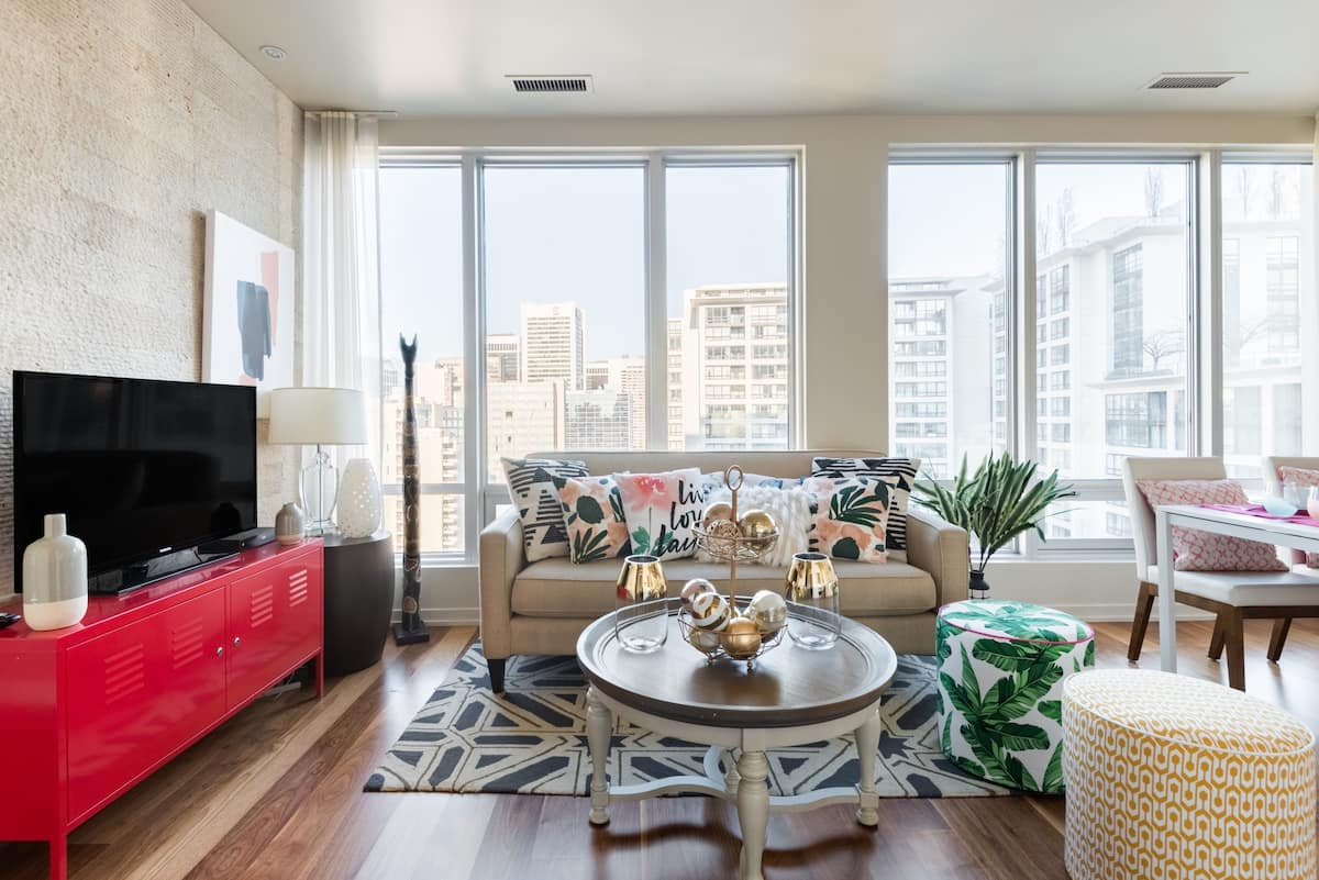 Eclectic City-View High Rise Apartment