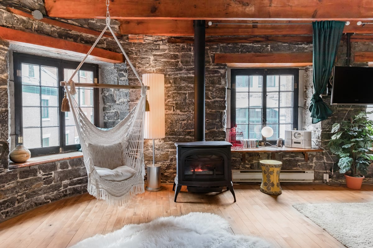 Bohemian Loft Retreat in Montreal's Old Port