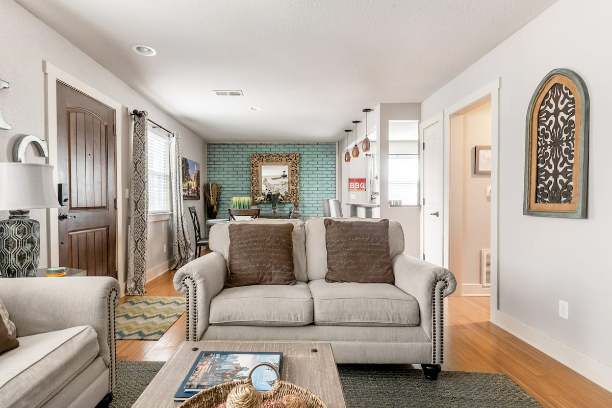 Relaxed Home near Westport's Shopping and Dining
