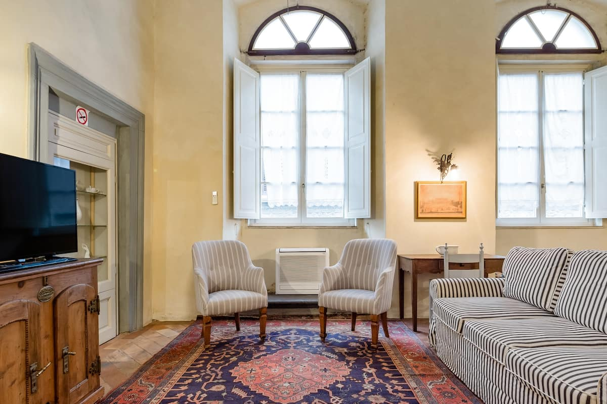 Apartments in an Ancient Building with Cultural Treasures